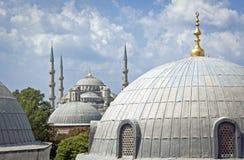Kupol överallt i den Istanbul mitten Arkivbild
