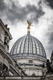 Kupol av Albertinumen och den härliga himlen Museum av modern konst dresden germany Fotografering för Bildbyråer