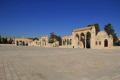 Kupol av andarna längs fyrkanten på tempelmonteringen Arkivbild