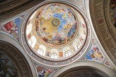 Kupol av basilikan av Eger, Ungern Arkivbilder