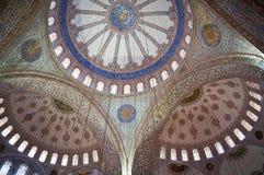 Kupol av den blåa moskén inom Arkivbild