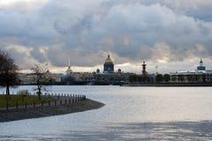 Kupol av helgonIsaacs domkyrka i St Petersburg Ryssland Royaltyfri Bild