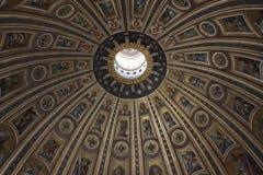 Kupol av St Peter arkivfoto