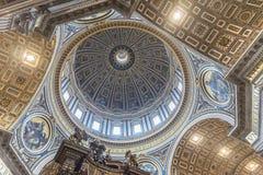 Kupol av Stets Peter basilika vatican rome Royaltyfria Bilder