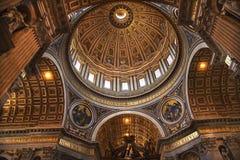 kupol inom michelangelo rome s vatican royaltyfria foton