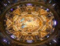 Kupol och freskomålning av kyrkan av San Antonio de los Alemanes i Madrid, Spanien Den mest härliga kupolen av Madrid royaltyfri fotografi