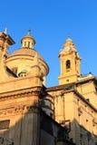 Kupol och klockstapel av kyrkliga Chiesa del Gesu i Genua Fotografering för Bildbyråer