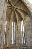 Kupolen av fördärvar av kloster Arkivbild
