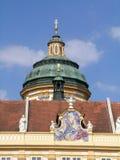 Kupolen av St Peter och Paul kyrktar i den Melk abbotskloster Royaltyfri Foto