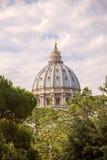 Kupolen av St Peter & x27; sammansättning för s-basilikalodlinje Royaltyfri Bild