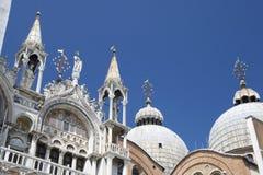 Kupoler av basilikan San Marco, Venedig Royaltyfri Bild