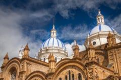 Kupoler av den Cuenca domkyrkan, Ecuador Arkivfoto