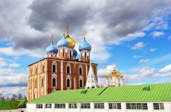 Kupoler av ortodoxdomkyrkan Arkivbild