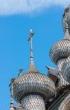 Kupoler av träkyrkan i Kizhi Arkivbilder