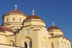 Kupoler för ortodox kyrka, Kamari, Santorini, Grekland Arkivbilder