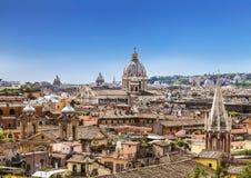 Kupolerna och taken av den eviga staden, sikten från de spanska momenten rome Royaltyfria Foton