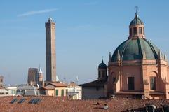 Kupolformigt taklägga av fristaden av den Santa Maria dellaen Vita, bolognaen Italien. Arkivfoton
