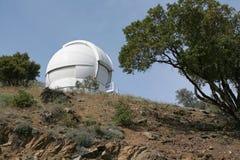 kupolobservatoriumteleskop Royaltyfria Foton