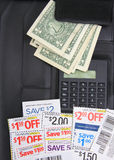 Kupons, Geld und caculator Lizenzfreies Stockfoto