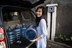 Kupować nowego galon woda fotografia stock