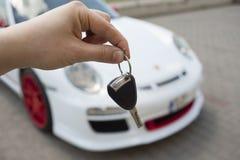 Kupować nowego sportowego samochód Fotografia Stock