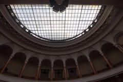 Kuppeldecke im Gebäude Stockfotografie