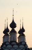 Kuppeln und Kreuze Stockfotos