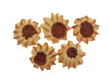 Kurabie fünf Plätzchen mit Stau stockfoto