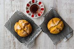 Kurabiyesi et thé/biscuit turcs de Sam de biscuits avec l'orange et le sucre Photos stock