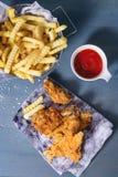 Kurczaków dłoniaki z grulami obrazy stock