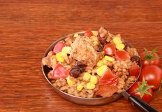 Kurczak, brown ryż i fasole, zdjęcie stock