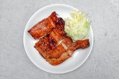 kurczak piec na grillu półkowy biel obraz royalty free