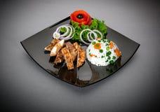 Kurczak pierś z risotto i sałatką zdjęcie royalty free