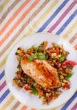 Kurczak pierś z smażonymi warzywami Zdjęcia Stock