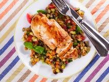 Kurczak pierś z smażonymi warzywami Obrazy Royalty Free