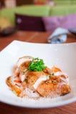 Kurczak pierś z dzieci warzywami na talerzu Fotografia Royalty Free