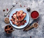 Kurczak piersi z cranberry kumberlandem obraz royalty free