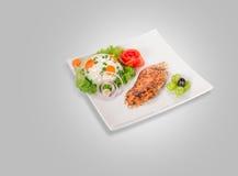 Kurczak polędwicowy na talerzu fotografia royalty free