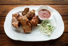 kurczak smażąca noga Gorący mięsny naczynie barbecue grilla odizolowywającego Zdjęcia Stock