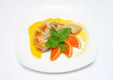 Kurczak z pomarańcze i mennicą Fotografia Royalty Free