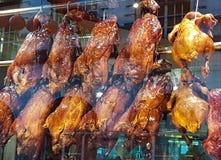 Kurczaka łasowania karmowy mięsny kucharstwo je obiad gorącego piec na grillu Obrazy Royalty Free