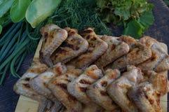 Kurczaka grill i udziały zieleni warzywa Obraz Royalty Free