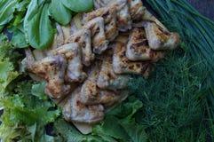 Kurczaka grill i udziały zieleni warzywa Zdjęcia Stock