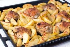 kurczaka grilla kurna gruli pieczeń cała Wyśmienicie naczynie dla gościa restauracji Zdjęcie Stock