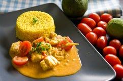 Kurczaka jedzenie z ryż, papryka, pomidory Zdjęcie Stock