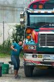 Kurczaka kierowca autobusu, Gwatemala podróż Obrazy Royalty Free