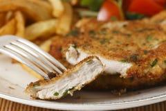 Kurczaka schnitzel pokrojony zbliżenie Zdjęcia Stock