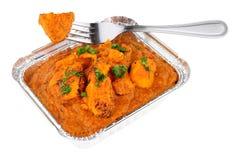 Kurczaka Tikka Masala curry W Foliowym Bierze Oddaloną tacę Zdjęcia Royalty Free