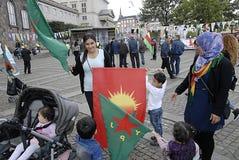 KURDER ARRANGERADE PROTES SAMLAR AAINST-TURKPRESIDENT Arkivfoto