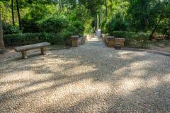 Kurenda wzory na kamiennej chodzącej ścieżce przy Alhambra pałac zdjęcie stock